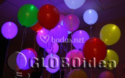 Globos con luz, copas, pajitas, removedores iluminados
