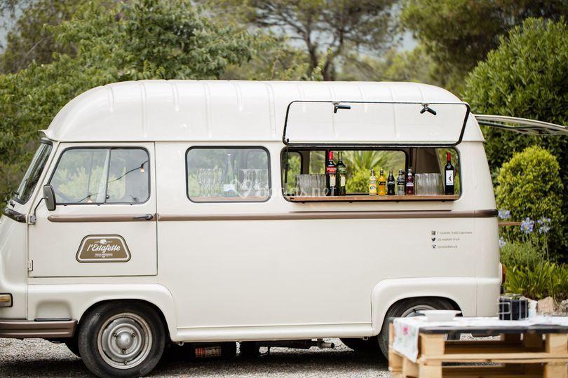 Caravana con bebidas