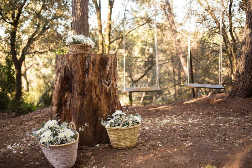 Altar boda en el bosque
