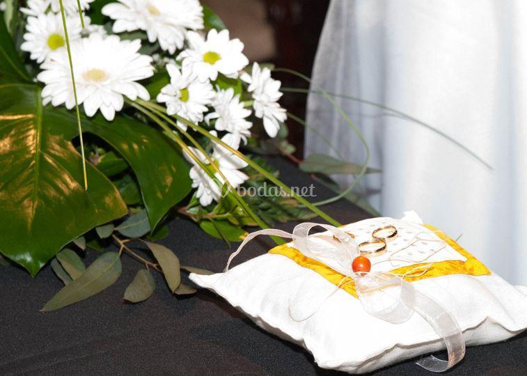 Detalle anillos ceremonia