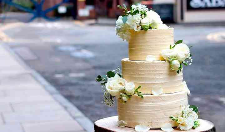 Aventura Cake