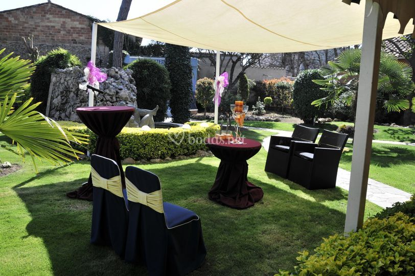 Ceremonia civil en  jardines