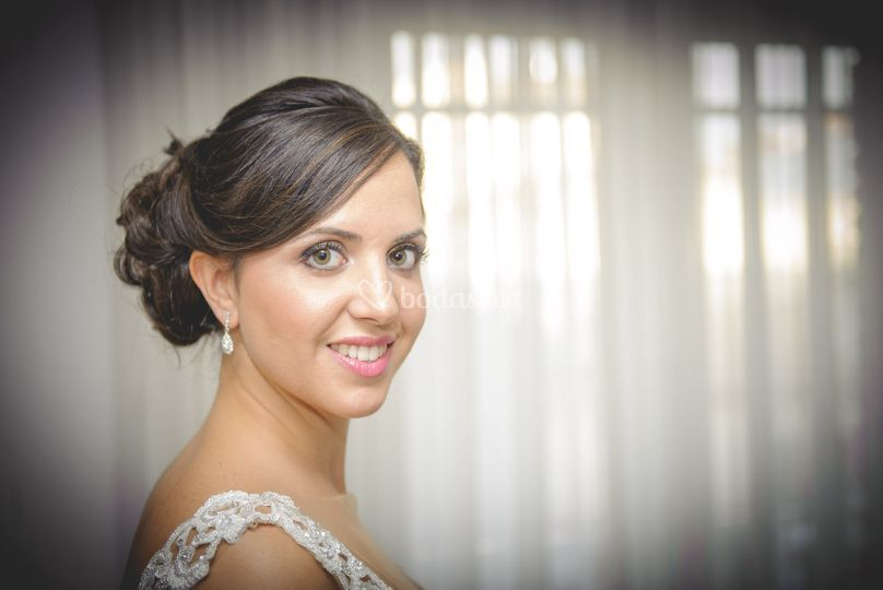 Peinado novia y maquillaje HD