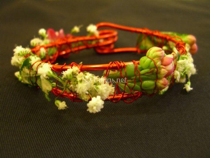 Pulsera con flor natural
