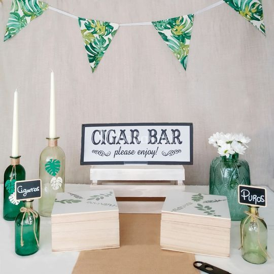 Cigar bar tropical