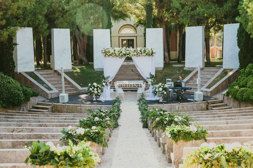 Romantic Luxury Weddings