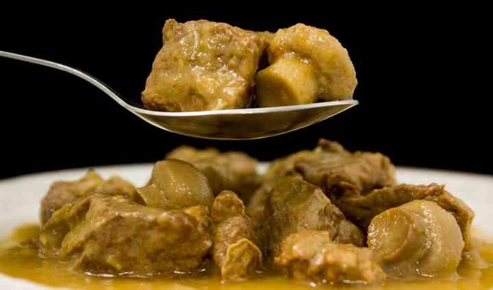 Plato cocinado de ternera asturiana