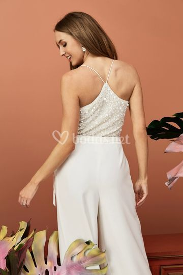 Espalda del mono de novia Renata