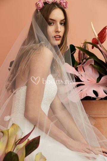 Escote del vestido de novia Gertrude