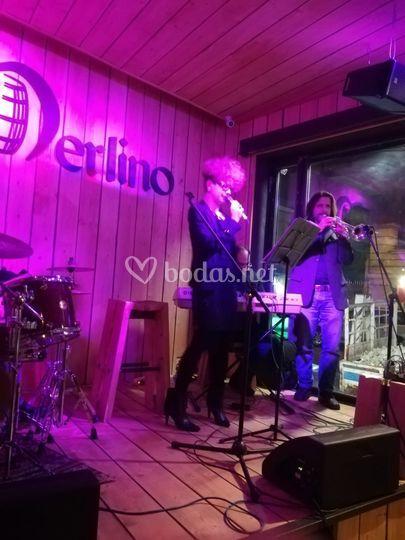 Pub con músicos