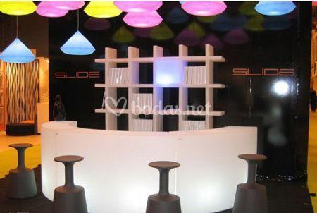 Barras de bar iluminadas de mobiliario con luz fotos - Barras de bar para salon ...