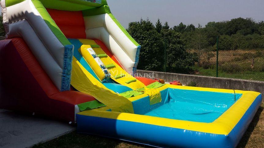 Tobogán piscina