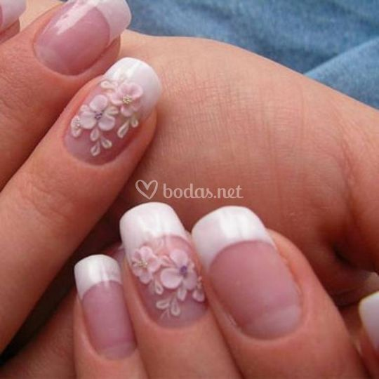 U as de porcelana con decoraci n en relieve de lorenails for Unas de porcelana decoracion