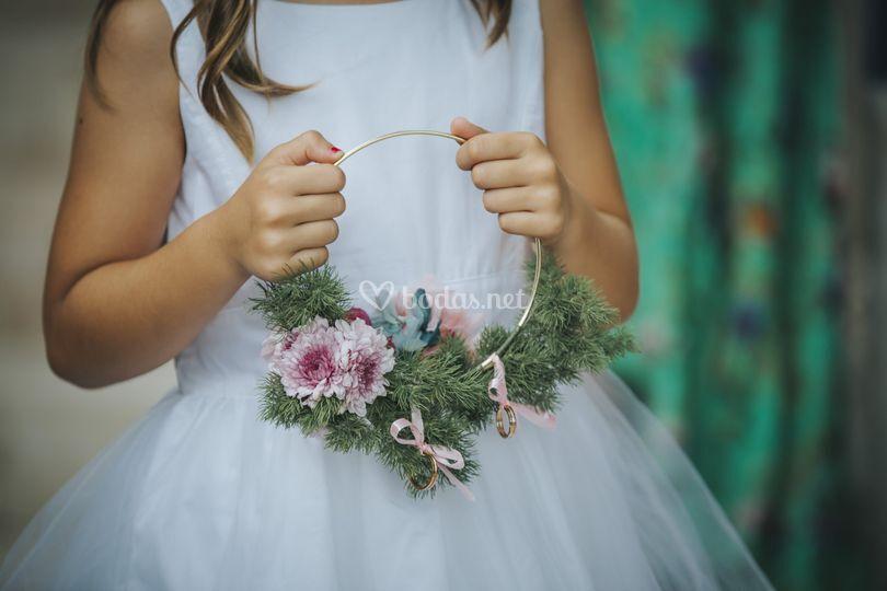 Arco de flores para los niños de arras