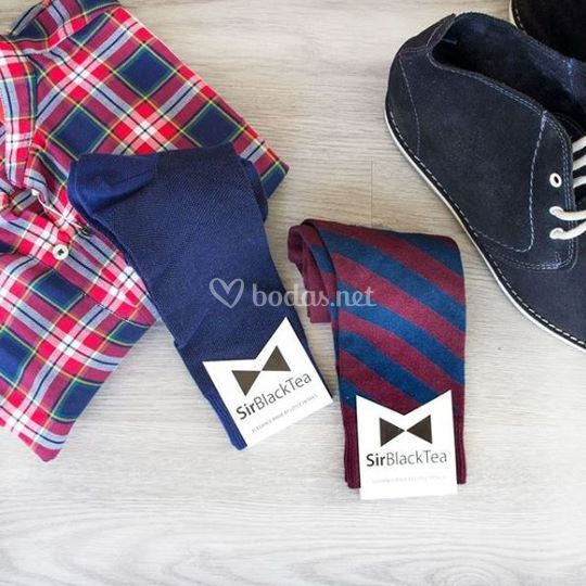 Calcetines azules y rayados