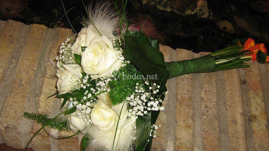 Bouquet Plumas y Rosas