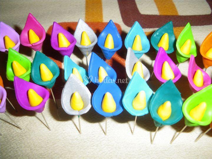 Alfileres calas de colores