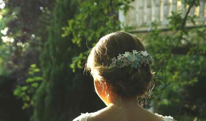 La novia de espaldas