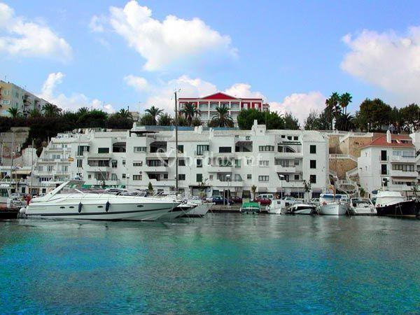 Hotel port mahon for Hoteles junto al mar