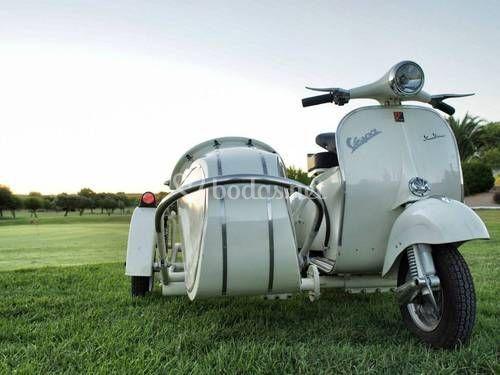 Sauclass Vespa Sidecar