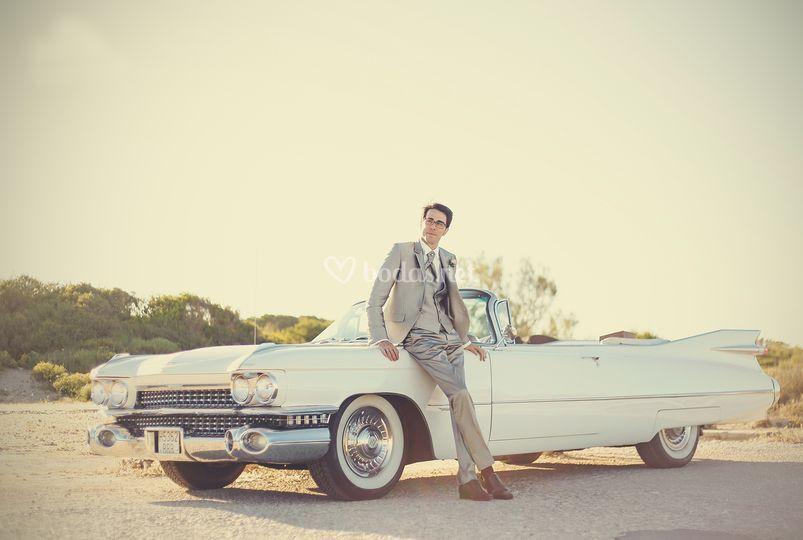 Cadillac blanco descapotable