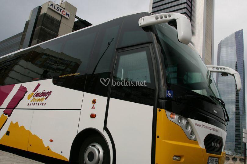 Minibus de 26 a 34 plazas