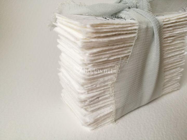 Guardasitios de papel hechos a mano
