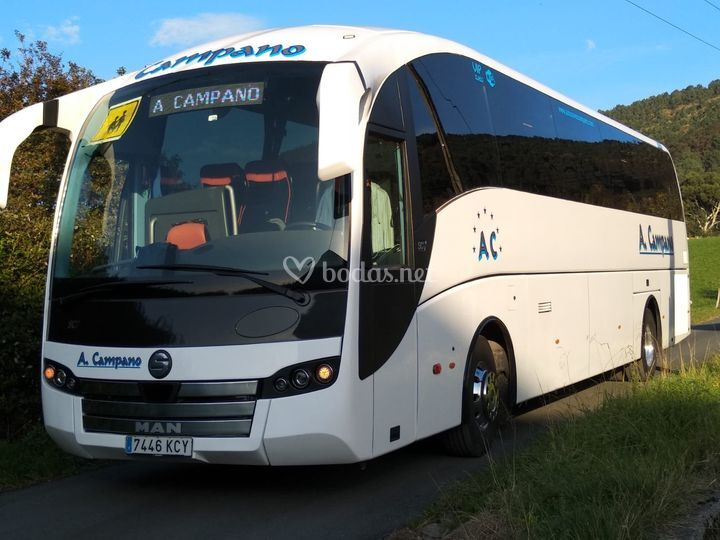 Autobús de 59 plazas con WC