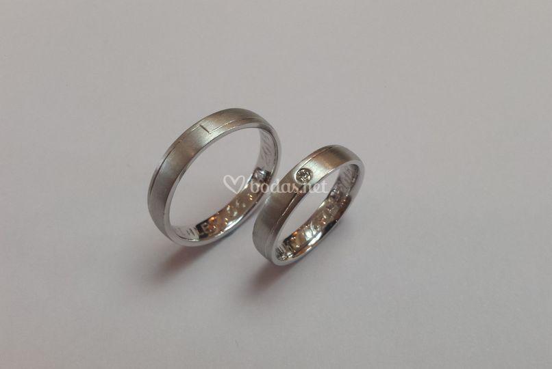Oro blanco 18kt con diamante