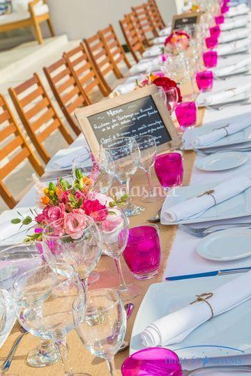 Mesa con colores de primavera