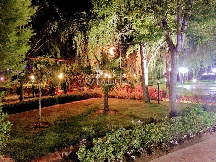 Los jardines del alberche de los jardines del alberche for Jardin oriental aldea del fresno