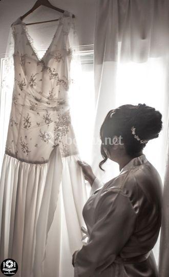 Sara preparando su vestido