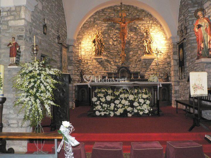 Decoración altar, Deva