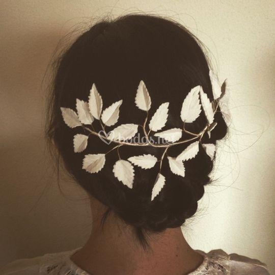 Tiara novia hojas de porcelana