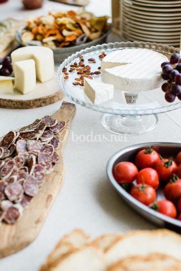Mesa quesos y embutidos