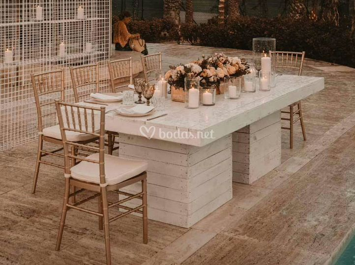 Alquiler mesa madera eventos