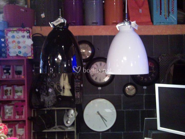 Relojes pared, lámparas, pomos. Tiradores