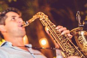 Demián Arroyo, Saxofón