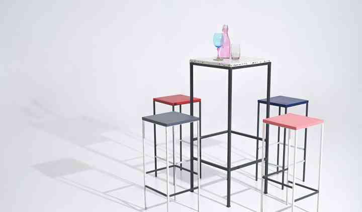 Taburetes y mesas altas Regina