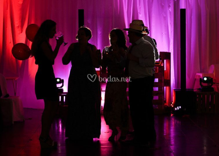 Cabina DJ con iluminación LED
