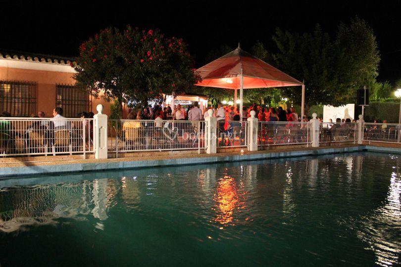 Barra libre piscina