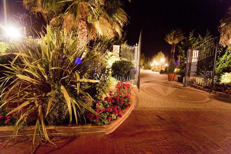 Entrada a jardín Azalea