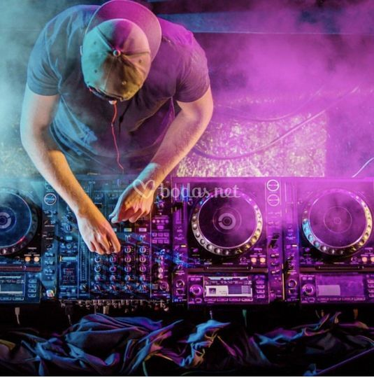 DJs y cabinas