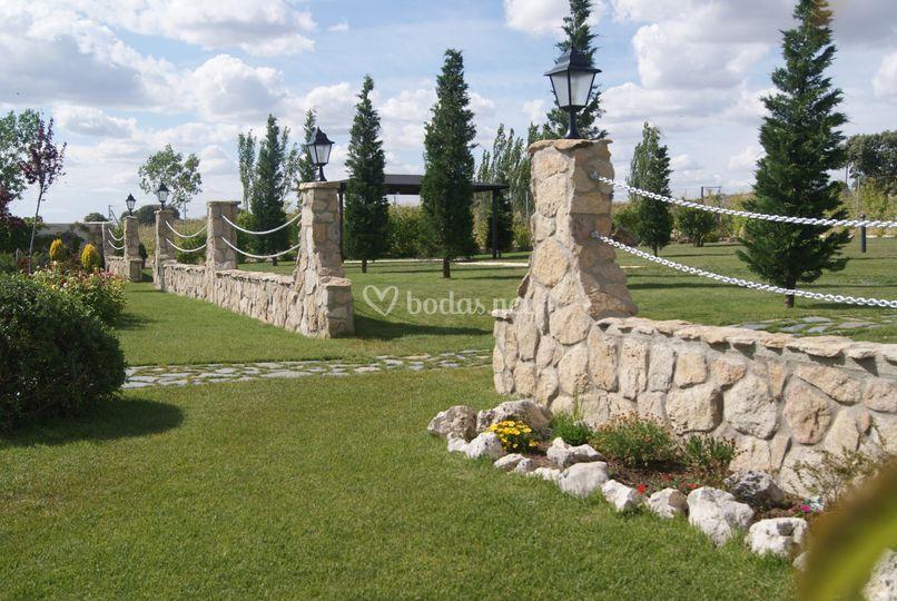 Los jardines de utrera for Los jardines de arbesu