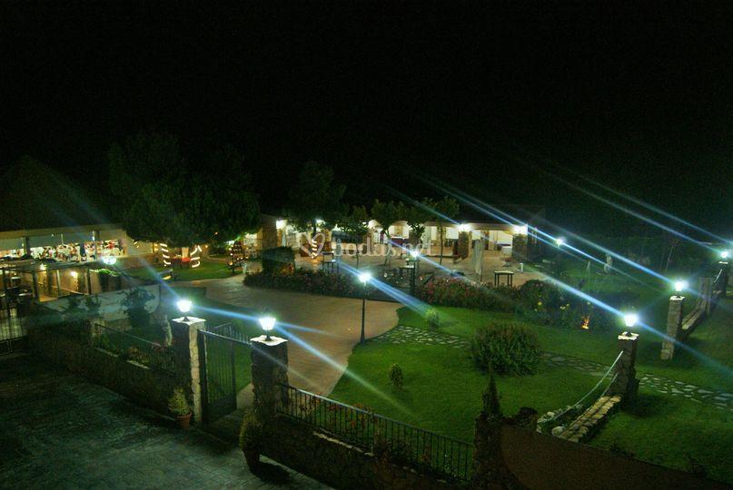 Vista nocturna jardines
