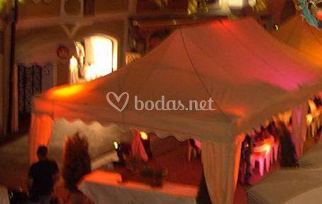 Instalación de cubiertas para eventos