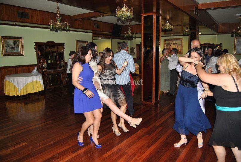 Bailes y animación para la boda