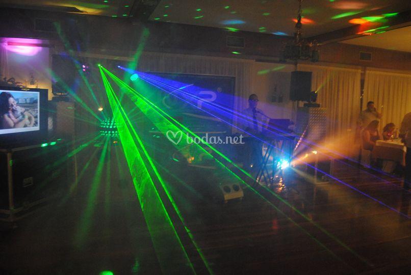 Laseres