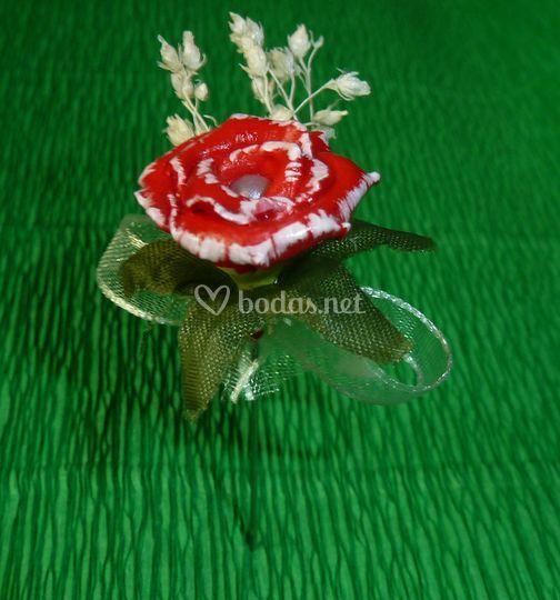 Clavel con florecillas secas