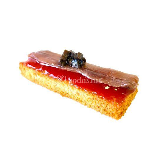Tosta de anchoa de Lastres